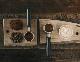 Image of different sizes of coffee grind.